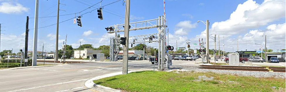 Image SR 824/Pembroke Road at Dixie Highway Intersection Street View.