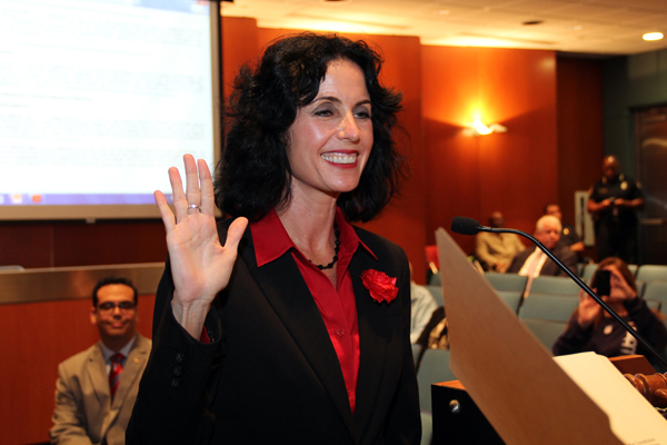 Commissioner Michele Lazarow 04a.jpg